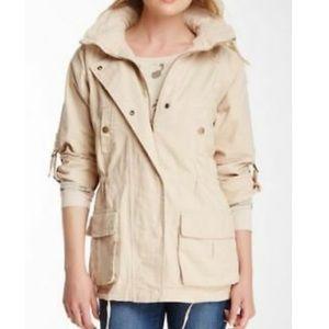 Cargo/utility jacket size medium— like new!